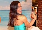 Fernanda Brandao stellt ihr neues Parfüm Brasilian Summer bei Karstadt Mö vor